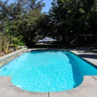 Geometric Swimming Pool 28-03